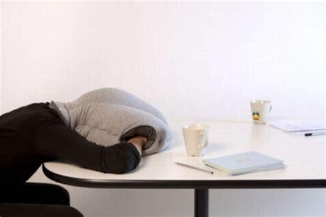 Repo Desk by Un Coussin Pour Dormir Au Bureau