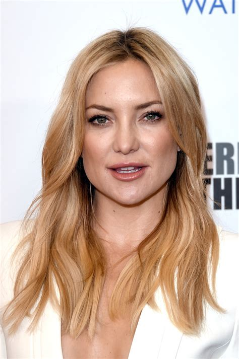 Hudson Hairstyles by Kate Hudson Wavy Cut Hair Lookbook Stylebistro