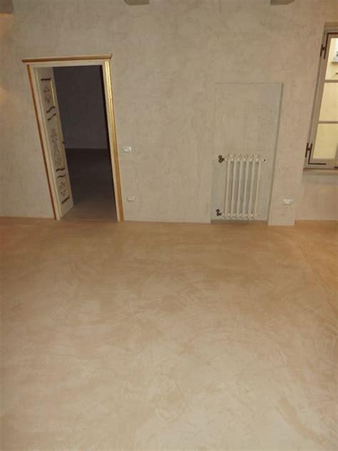 pavimento in cocciopesto pavimento spatolato in cocciopesto micro cemento resine