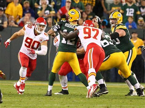 aaron rodgers tosses five touchdowns as packer beat chiefs