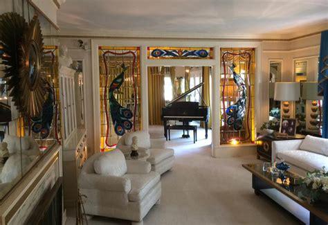 elvis room mansion elvis s graceland a journey into the home of the king