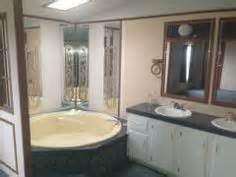 master bath garden tub in a 2006 palm harbor mobile