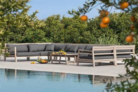 allestire giardino finest divano da giardino costes di ethimo with allestire