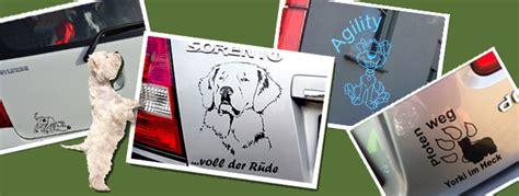 Aufkleber Auto Vom Eigenen Hund by Hundeaufkleber Schilder Fu 223 Matten N 228 Pfe Und Mehr F 252 R