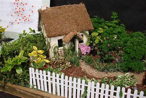miniature garden houses how to create miniature gardens