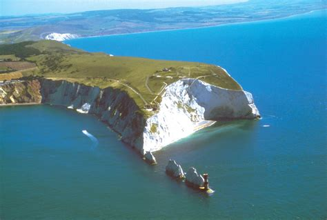 the isle of wight uk yacht charter superyacht news