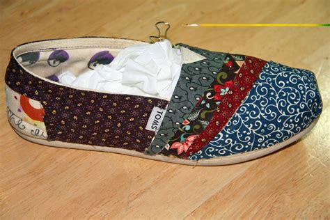 diy toms shoe pattern diy fabric covered toms pretty fast