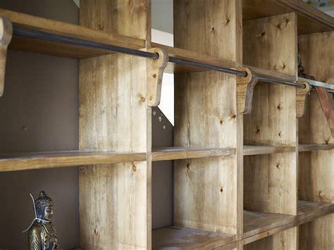 libreria con scala libreria con scala legno massello india parete stile etnico
