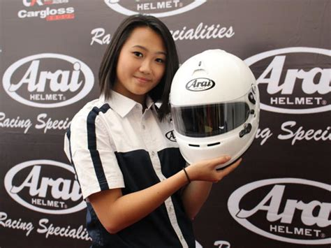 Helm Nhk Untuk Balap arai luncurkan helm untuk balap mobil mobil123 portal mobil baru no1 di indonesia