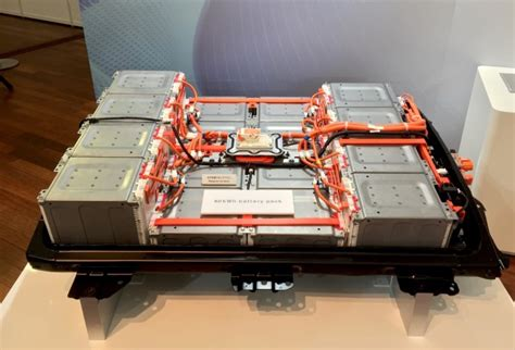 nissan leaf 60 kwh battery what comes after lithium ion batteries to power electric