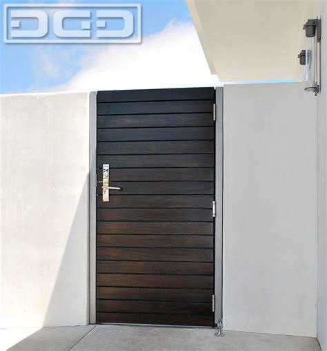 custom crafted modern side gate in a horizontal slat
