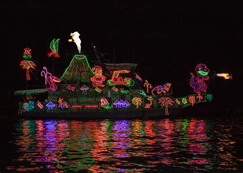 electric boat parade 2015 holiday boat parade winners the log