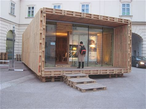 Pallet House by Pallet House Plans Shelter For Homeless 101 Pallets