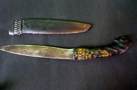 Pisau Antik kios engkong jual barang antik unik dan jadul pisau tanduk tradisional