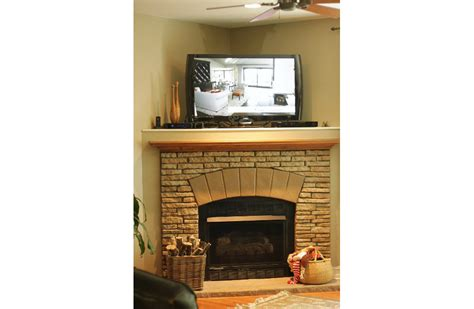 how much does it cost to replace fireplace surround