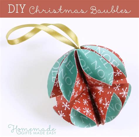 christmas paper bauble has instructions with pictures