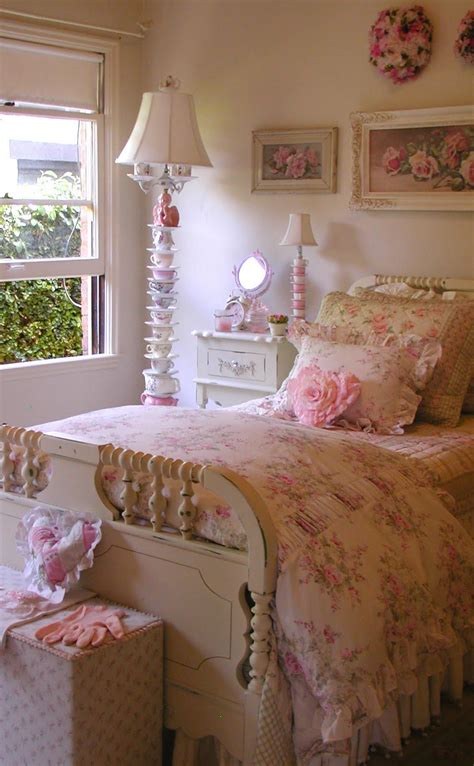 vintage rose bedroom ideas chateau de fleurs english cottage romance