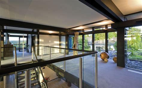Flat Roof House design haus art 8 black in glas und holz architektur von