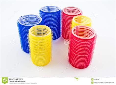 blaue und rote küche rote blaue und gelbe lockenwickler f 252 r friseur stockfoto