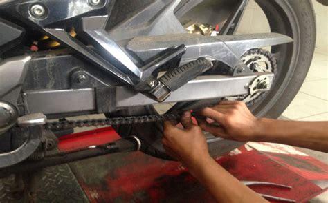 Kunci Rantai Motor langkah langkah mengganti rantai dan gear pada sepeda motor