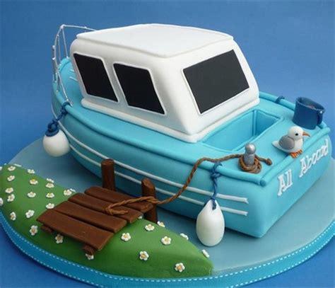 speed boat cake pan boat birthday cake2 debbie cowley flickr