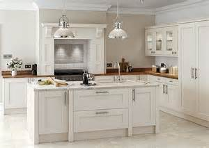 shaker style kitchen island best 25 shaker style kitchens ideas on grey