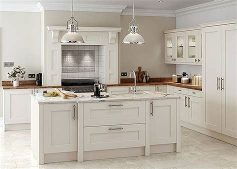 shaker style kitchen island 10 best ideas about shaker style kitchens on