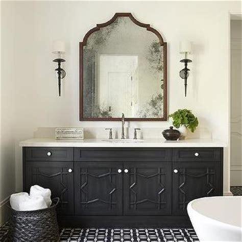 Moroccan Style Bathroom With Center Of The Room Bathtub Moroccan Bathroom Vanity