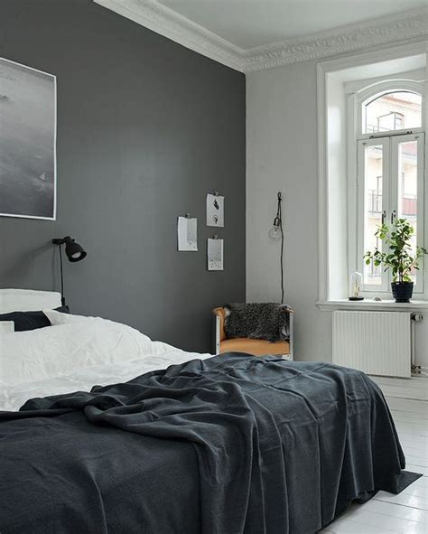 dark grey bedroom 25 best ideas about kendall charcoal on pinterest