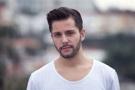 tren gaya rambut pendek pria terbaru
