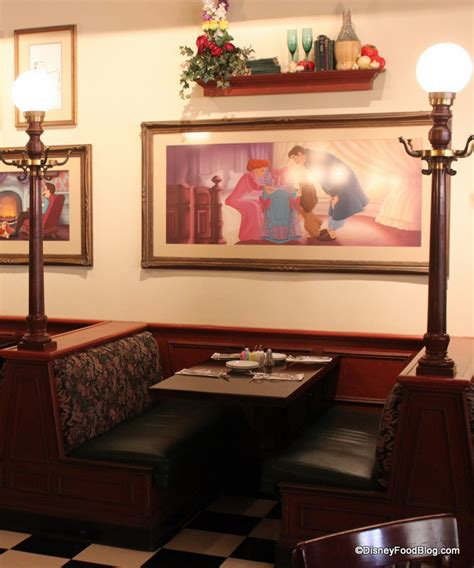 dining room booth review tony s town square the disney food blog