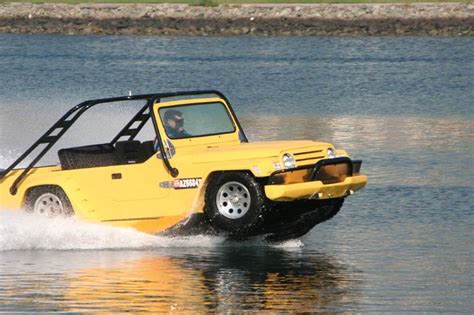 watercar gator  worlds  amphibious jeep