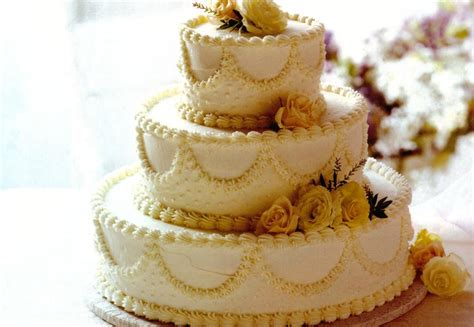 Cake Recipe Wedding by Classic White Wedding Cake