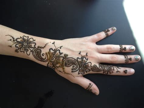 henna tattoo on eyebrows henna brows near me makedes