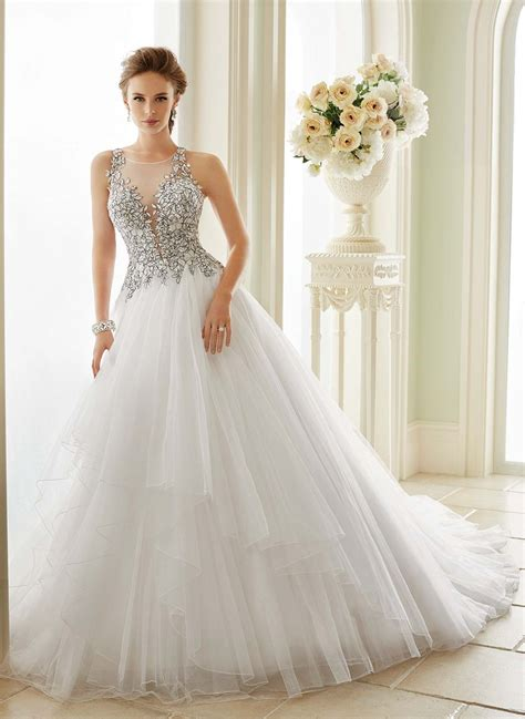 Wedding Gown Styles by Color And Texture Are Incorporated In Many Wedding Dress