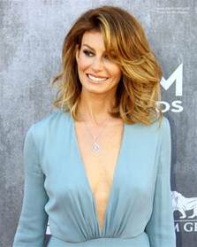shoulder hairstyles with volume faith hill voluminous medium length hairstyle with an ombre color effect