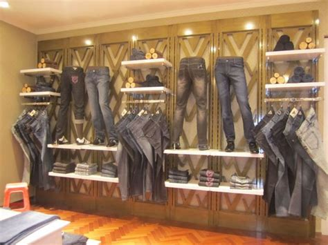 Interior Display In Visual Merchandising by 25 Best Ideas About Clothing Store Interior On