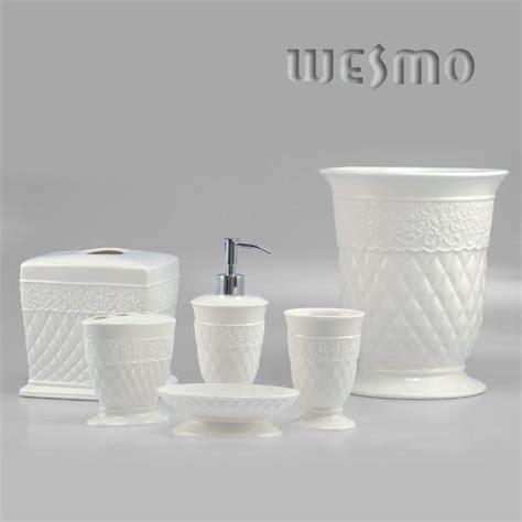 Conique Snow White Ceramic Bathroom Accessories Sets