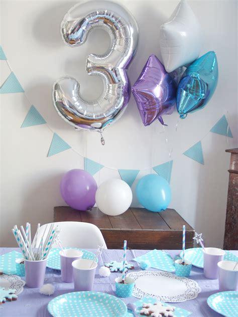 decoration fete anniversaire anniversaire reine des neiges pour louise 3 ans la deco