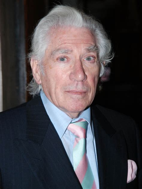 actor gary truman frank finlay doblaje wiki fandom powered by wikia