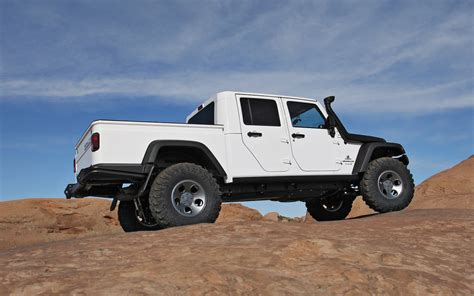 brute jeep aev jeep brute double cab hemi first drive motor trend