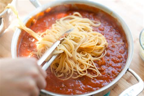 Easy Pasta Sauce easy baked spaghetti recipe with creamy pesto