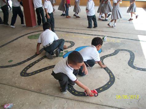 imagenes de niños jugando golosa imagenes de los ni 209 os y ni 209 as jugando y aprendiendo en la