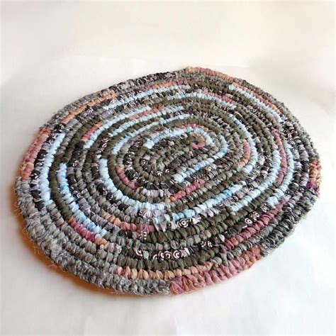 toothbrush rag rug tutorial 25 best ideas about toothbrush rug on rag rugs rugs and braided rag rugs
