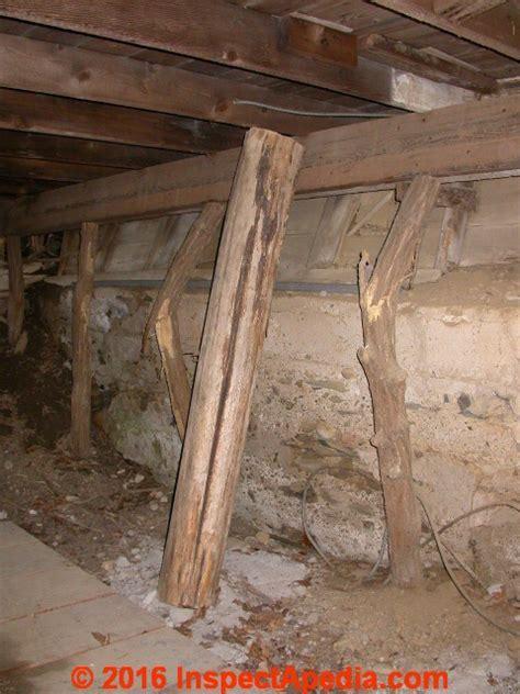 Evaluate Cracks & Splits in Wood Beams or Posts or in Log
