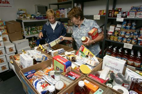 Interchurch Food Pantry by Growing Numbers Of Formerly Middle Class Now Newly Poor