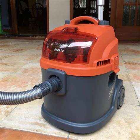 Vacuum Cleaner Electrolux Flexio orange is the new vac the electrolux flexio ii deakin