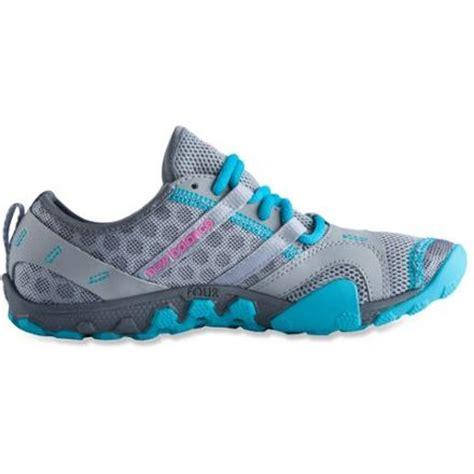 rei womens trail running shoes new balance wt10v2 minimus trail running shoes s