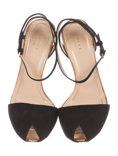 peep toe sandals gucci suede peep toe sandals shoes guc162982 the