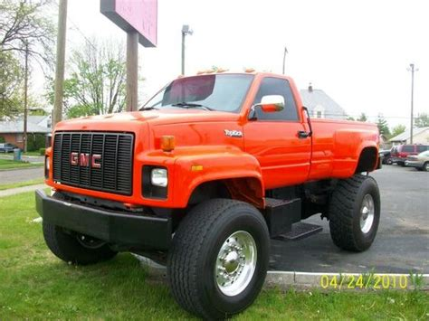 gmc topkick i like the single tires machines
